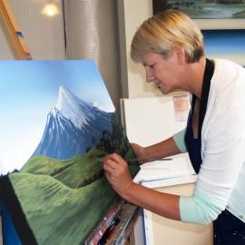 Fine Art Gallery Central Christchurch CBD Near Me exhibiting Artist Linelle Stacey